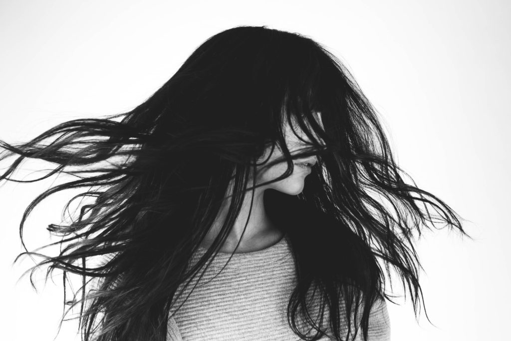 Zenna haarverdikker model zwart wit foto haaruitval